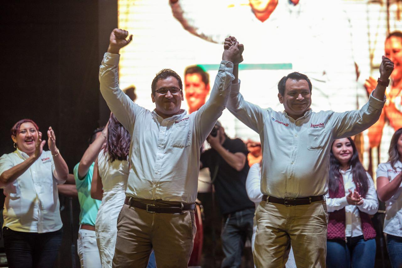 Multitudinario cierre de Kike Ayora en Valladolid, la gente lo apoya.