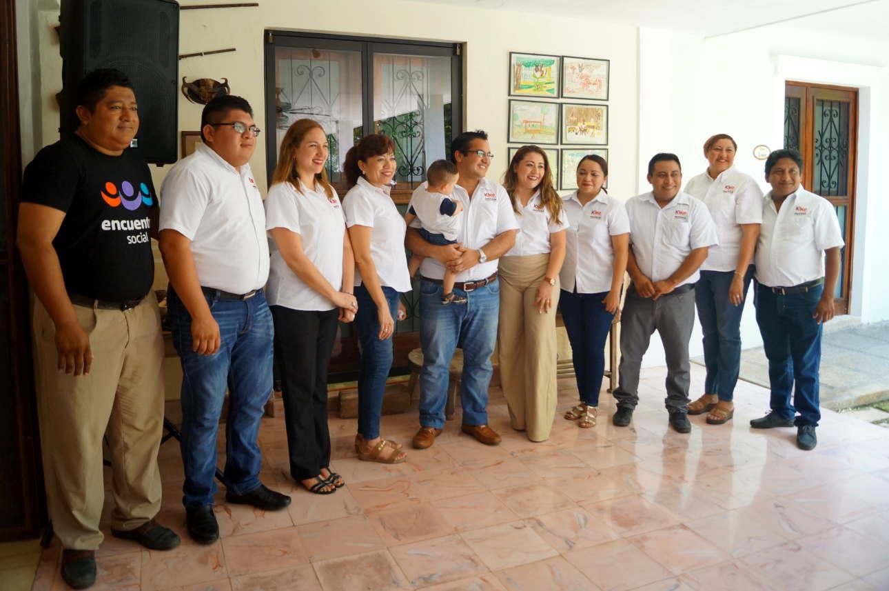 Rueda de Prensa Kike Ayora Ganador para la presidencia de Valladolid Yucatán