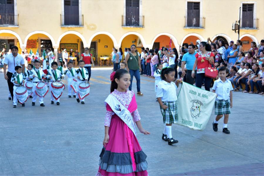 Desfile de Preescolar en el marco del 208 aniversario de la Independencia de México.