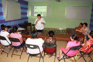 Imparten talleres integrales en centro comunitario.