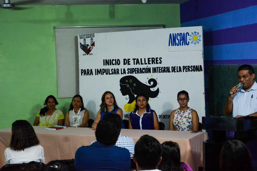 Inicio de talleres de la dirección de Desarrollo Social y el departamento de igualdad y género del Ayuntamiento