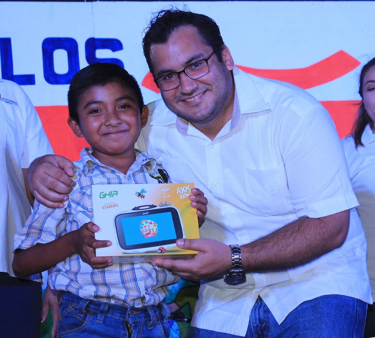 Celebran a los niños en su día en Valladolid Yucatán.