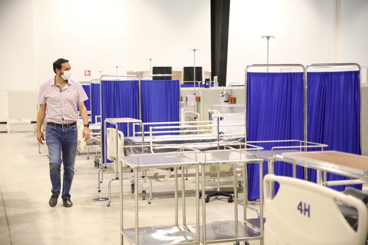 Mauricio Vila anuncia inicio de operaciones del hospital temporal siglo XXI