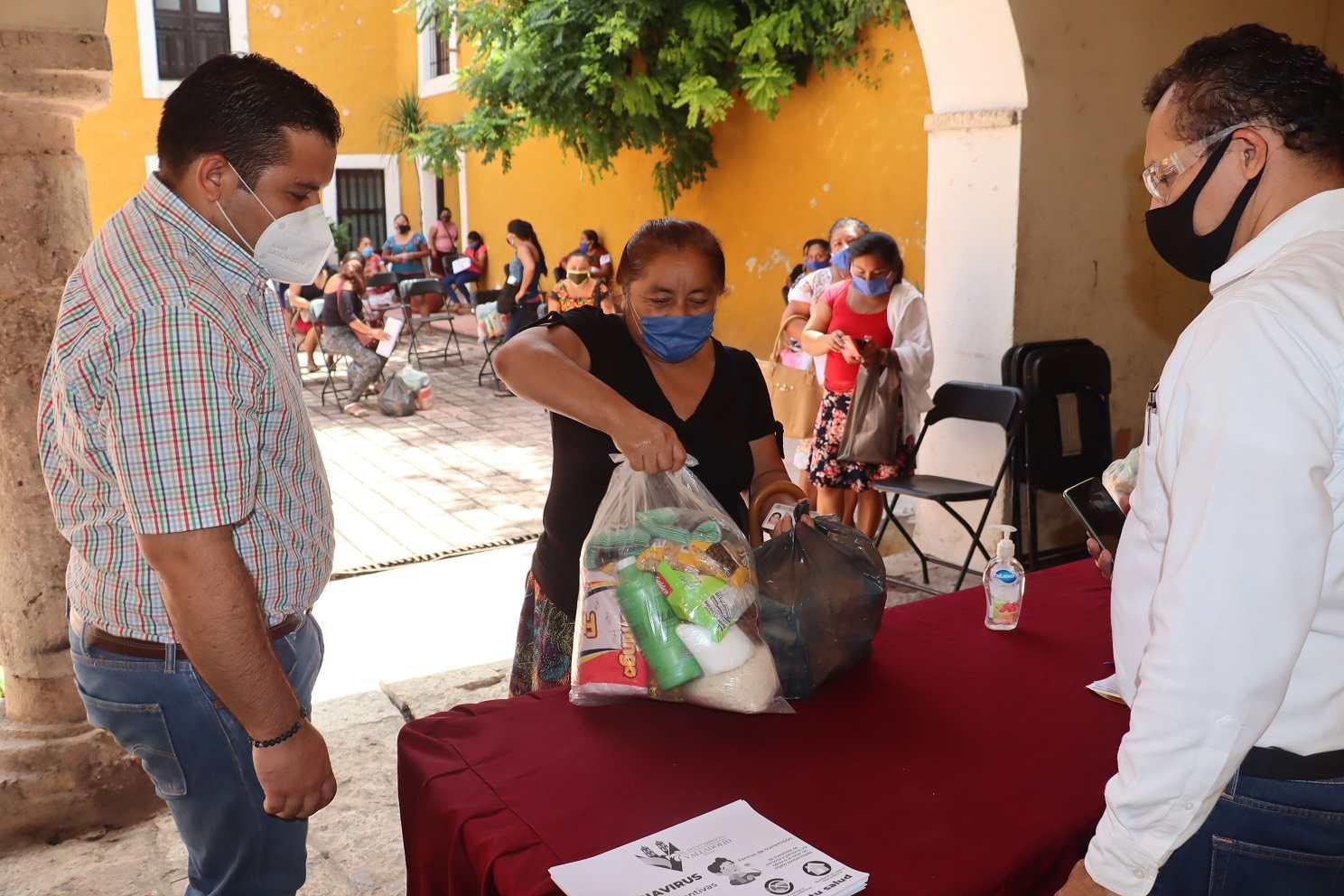 Artesanos d centro Zaci, reciben apoyo del Ayuntamiento
