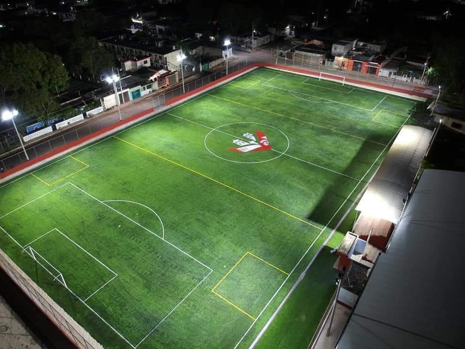 Reinauguración del campo deportivo del Águila