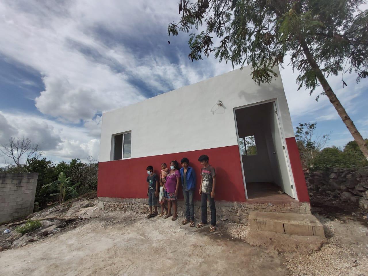 Compromiso del presidente municipal, Enrique Ayora Sosa con familia de Popolá, ya cuenta con una vivienda digna,