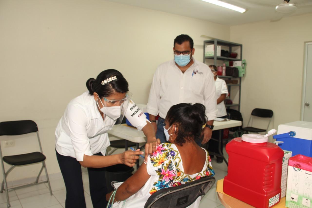 En tiempo y forma, continua la aplicación de la segunda dosis de la campaña de vacunación contra el Coronavirus para adultos mayores